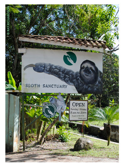 Entrance sign outside the Sloth Sanctuary