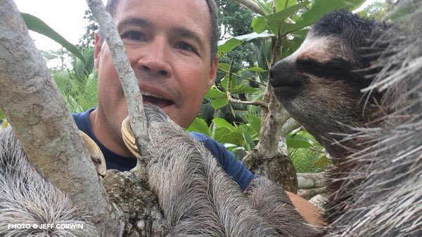 Conservationist Jeff Corwin with Buttercup - May 2015